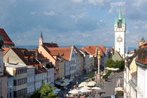 Ludwigsplatz square in Straubing with city tower